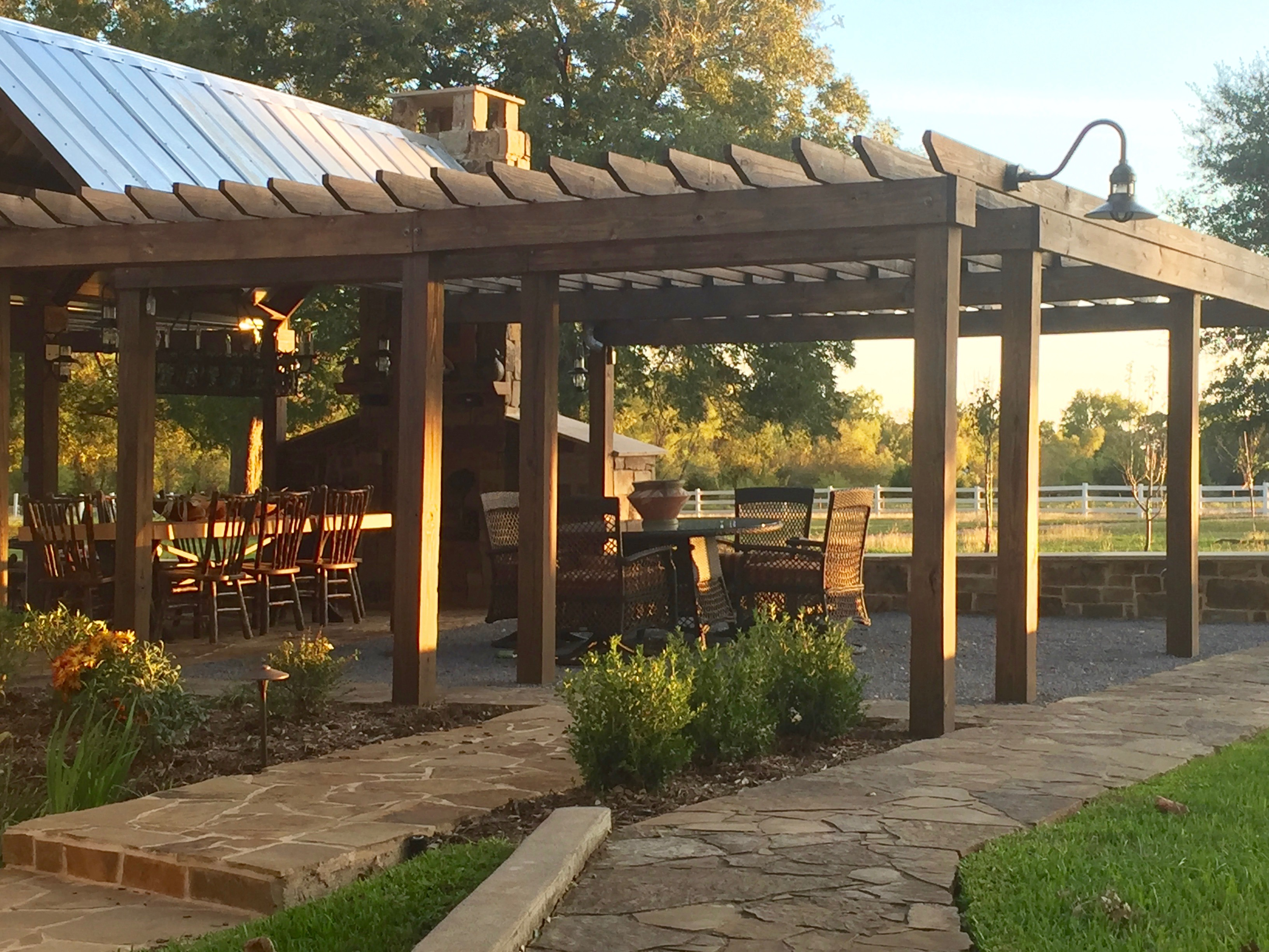 Lucky Penny Ranch Round Top covered patio